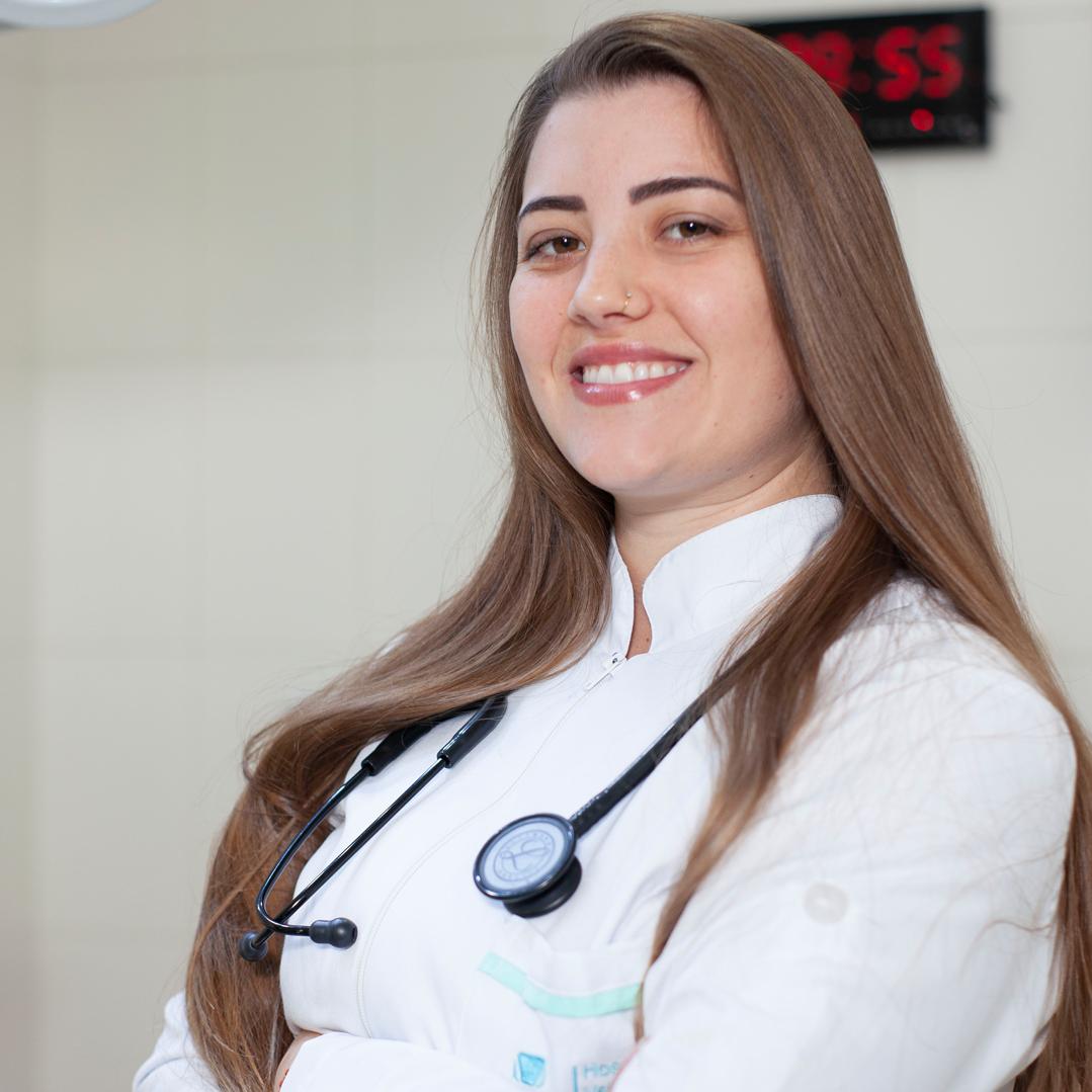 Dra Letícia Mocelin